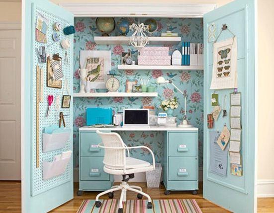 Escritorios dentro de armarios
