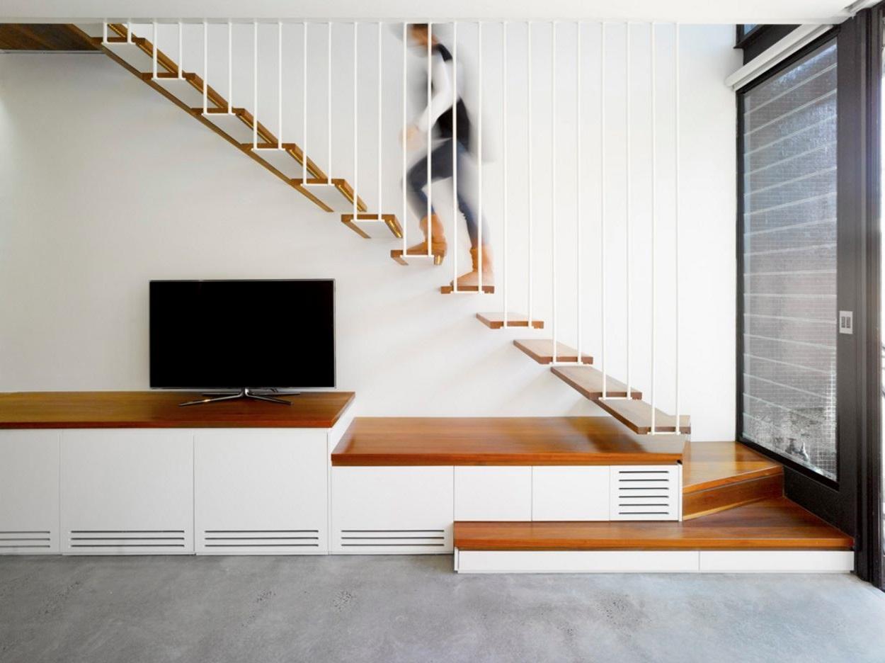 Diseño y distribución de casa larga y angosta moderno 2